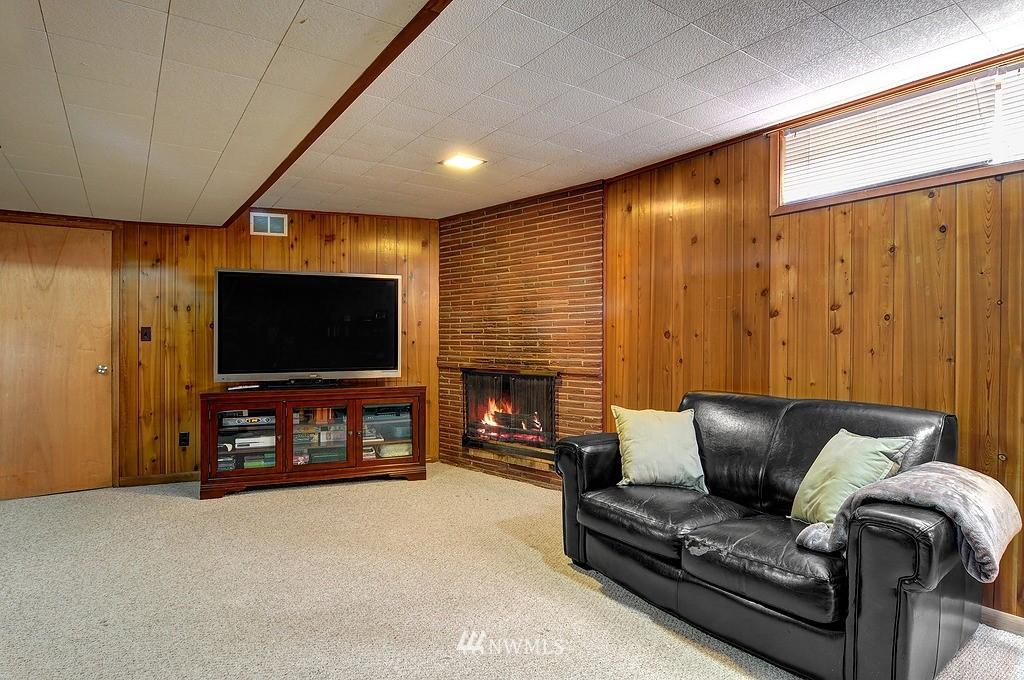 Sold Property | 5547 38th Avenue NE Seattle, WA 98105 12