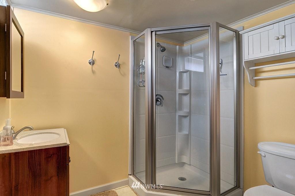 Sold Property | 5547 38th Avenue NE Seattle, WA 98105 13