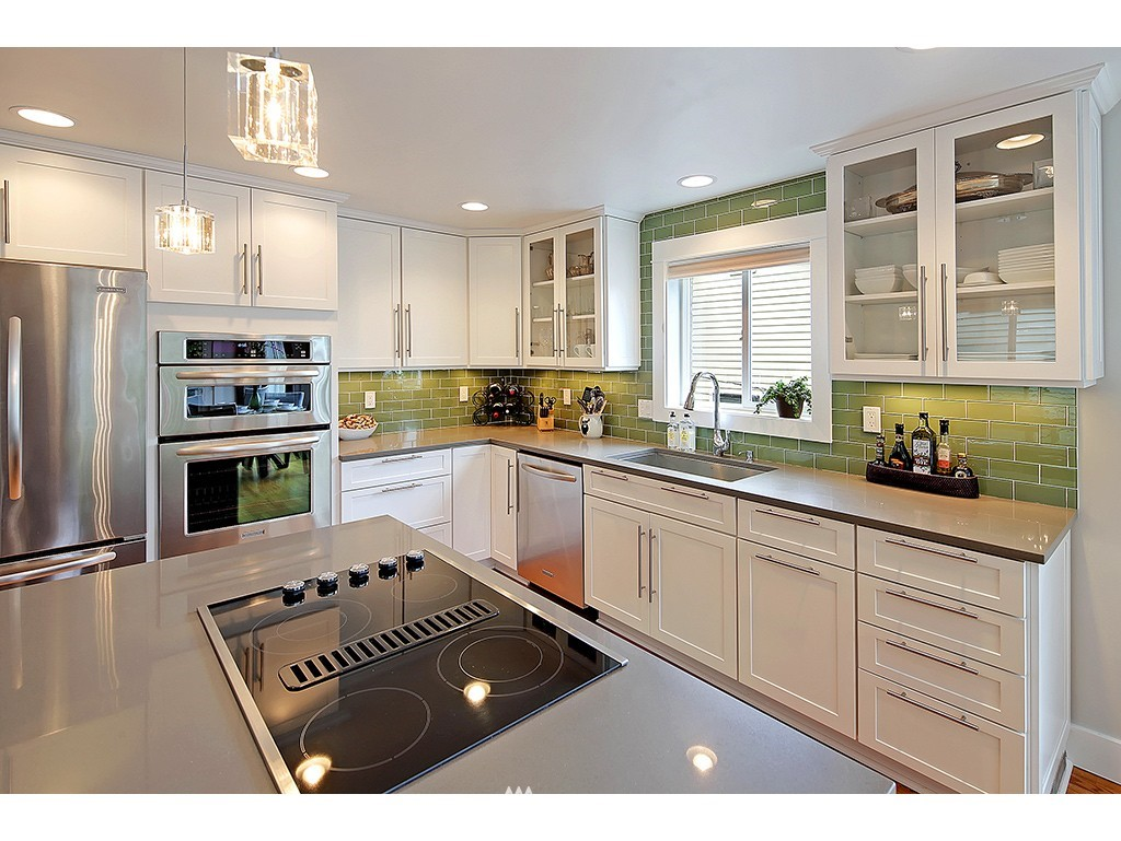 Sold Property | 2904 4th Avenue W Seattle, WA 98119 3