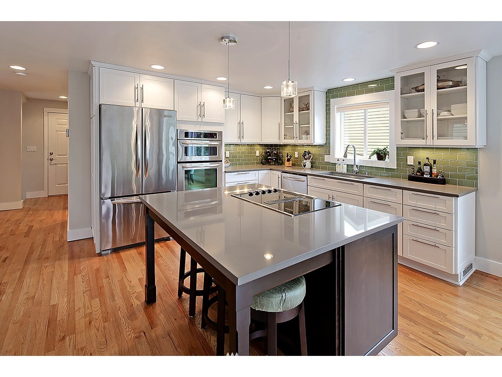 Sold Property | 2904 4th Avenue W Seattle, WA 98119 4