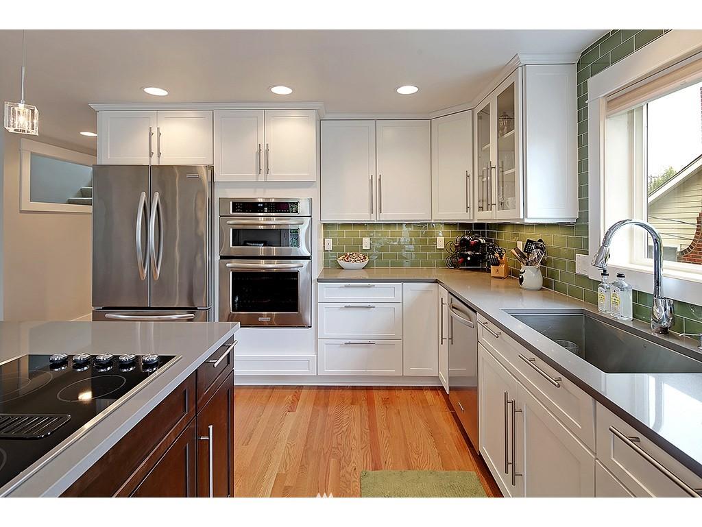 Sold Property | 2904 4th Avenue W Seattle, WA 98119 5