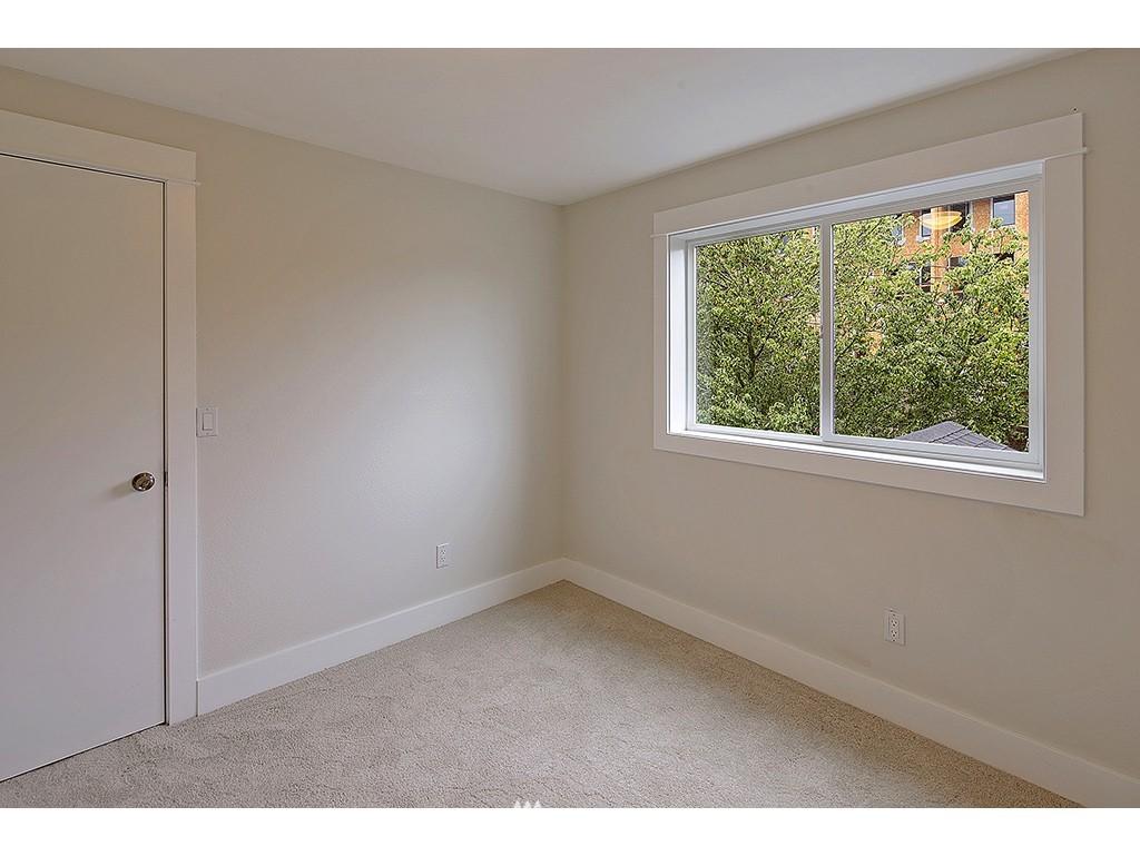 Sold Property | 2904 4th Avenue W Seattle, WA 98119 12