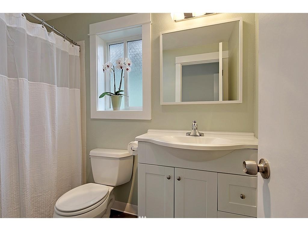 Sold Property | 2904 4th Avenue W Seattle, WA 98119 13