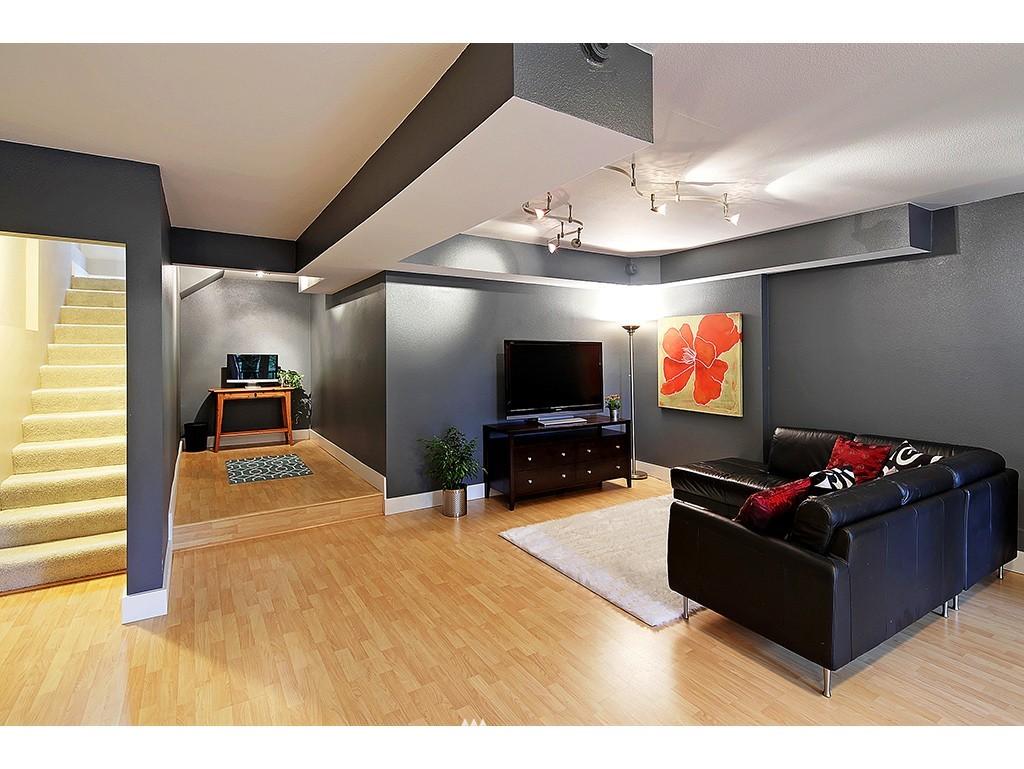 Sold Property | 2904 4th Avenue W Seattle, WA 98119 15