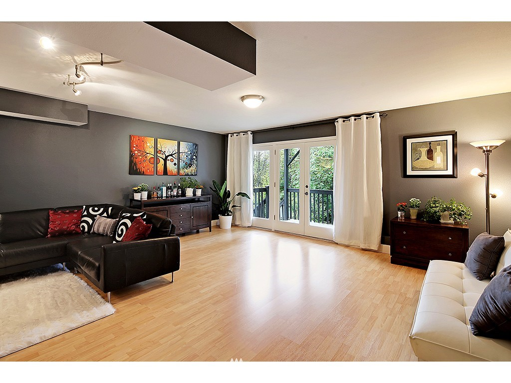 Sold Property | 2904 4th Avenue W Seattle, WA 98119 16