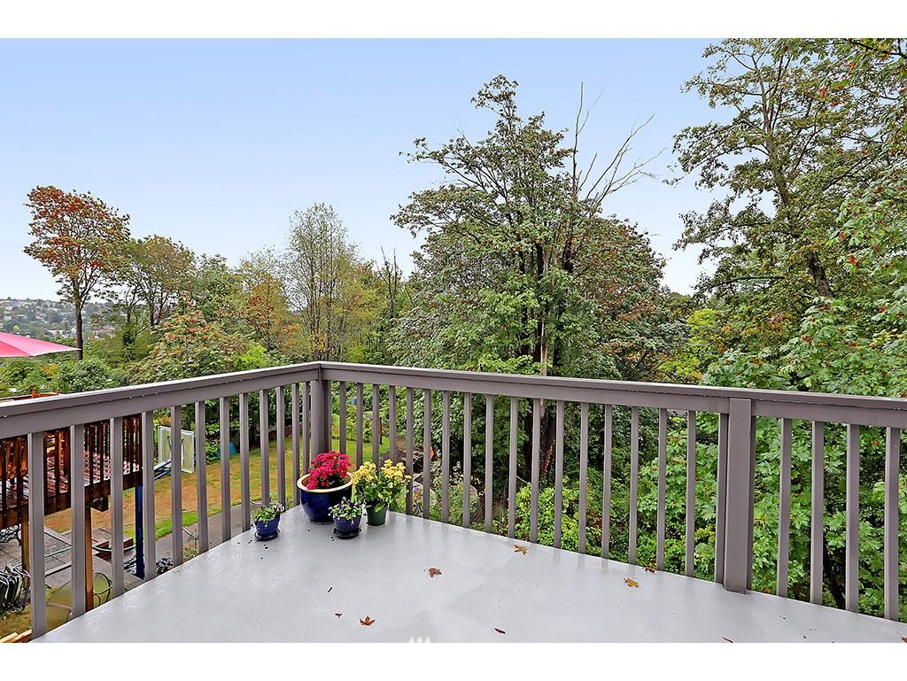 Sold Property | 2904 4th Avenue W Seattle, WA 98119 17