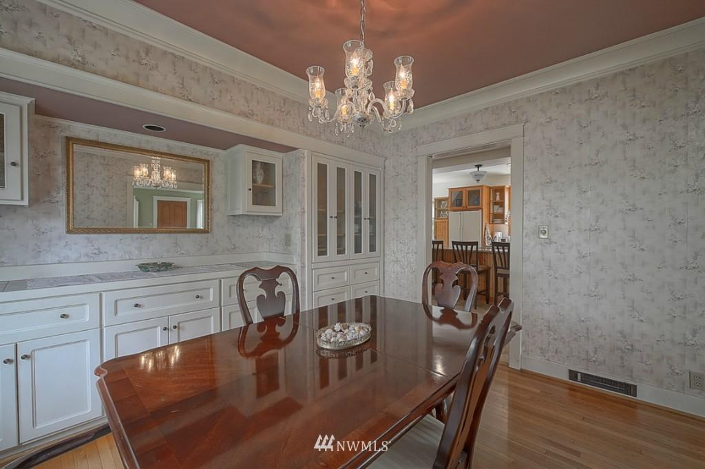 Sold Property | 6054 5th  Avenue NE Seattle, WA 98115 4