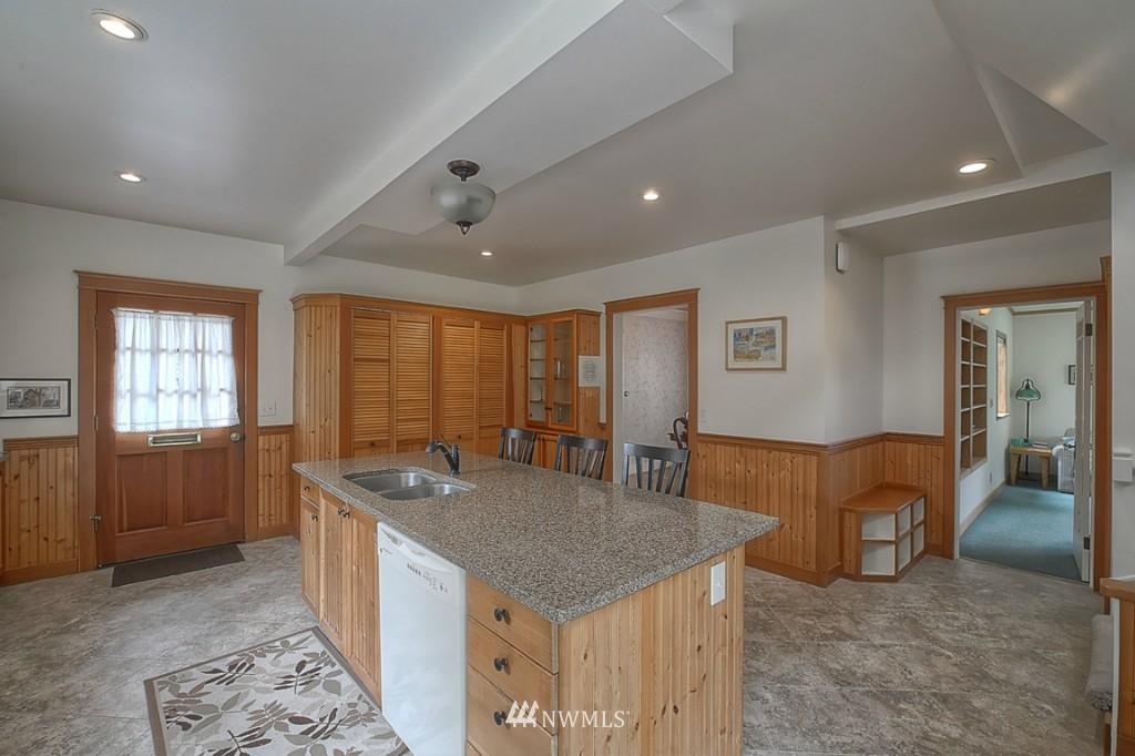 Sold Property | 6054 5th  Avenue NE Seattle, WA 98115 6