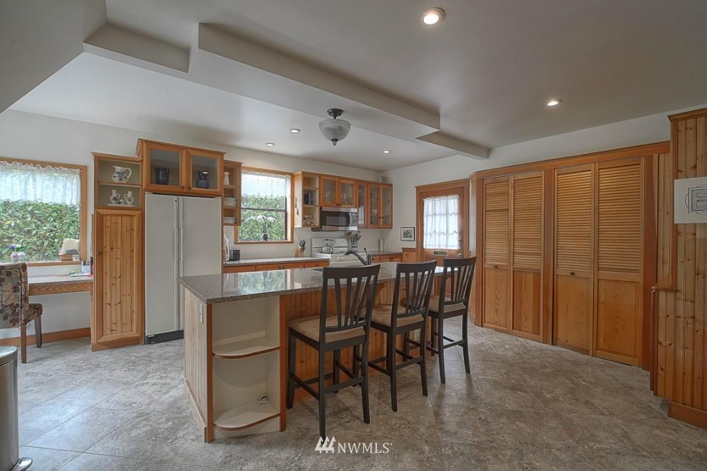 Sold Property | 6054 5th  Avenue NE Seattle, WA 98115 7