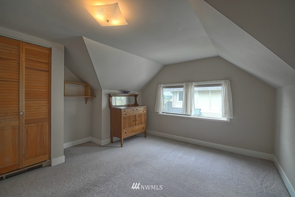 Sold Property | 6054 5th  Avenue NE Seattle, WA 98115 16