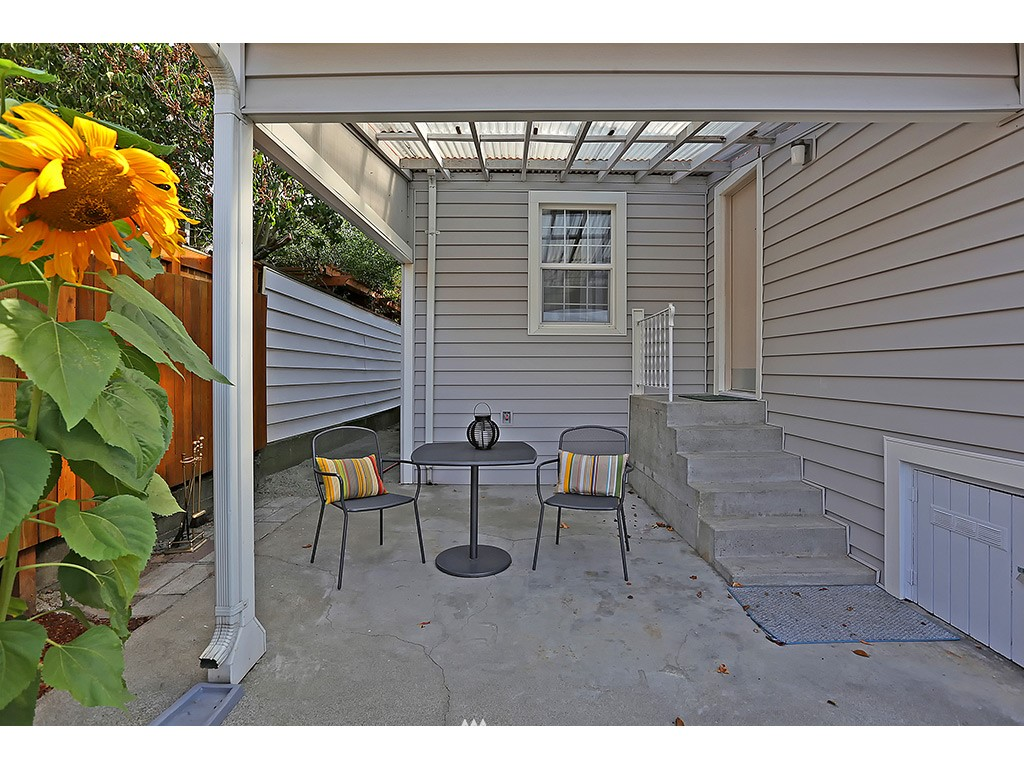 Sold Property | 6549 12th Avenue NW Seattle, WA 98117 13