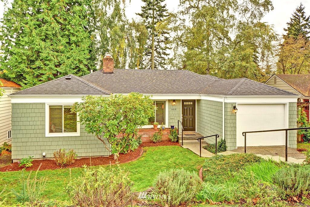 Sold Property | 4519 Stanford Avenue NE Seattle, WA 98105 0