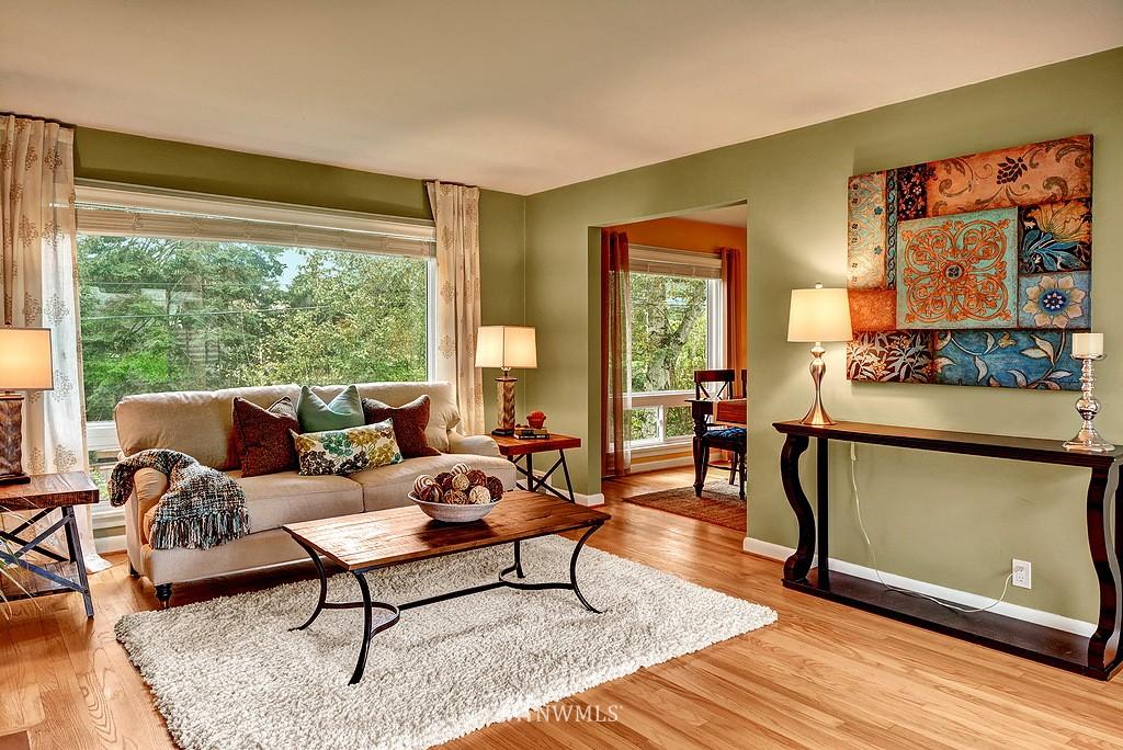 Sold Property | 4519 Stanford Avenue NE Seattle, WA 98105 3
