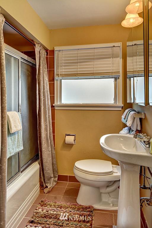 Sold Property | 4519 Stanford Avenue NE Seattle, WA 98105 9
