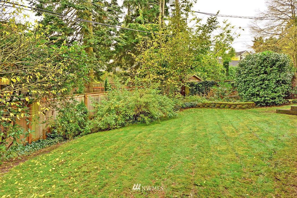 Sold Property | 4519 Stanford Avenue NE Seattle, WA 98105 15