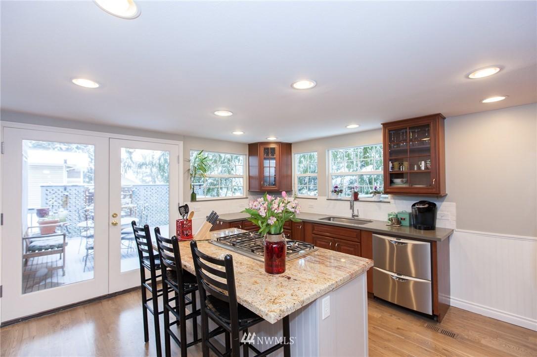 Sold Property   1207 NE 168th Street Shoreline, WA 98155 5