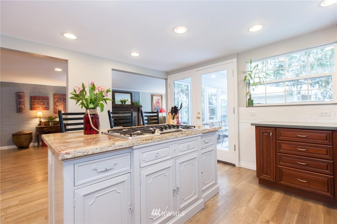 Sold Property   1207 NE 168th Street Shoreline, WA 98155 7