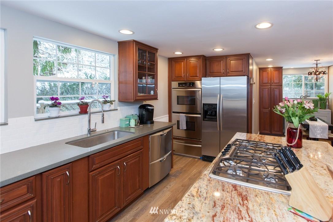 Sold Property   1207 NE 168th Street Shoreline, WA 98155 9