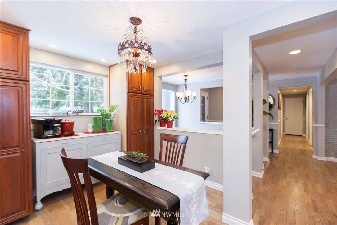 Sold Property   1207 NE 168th Street Shoreline, WA 98155 11