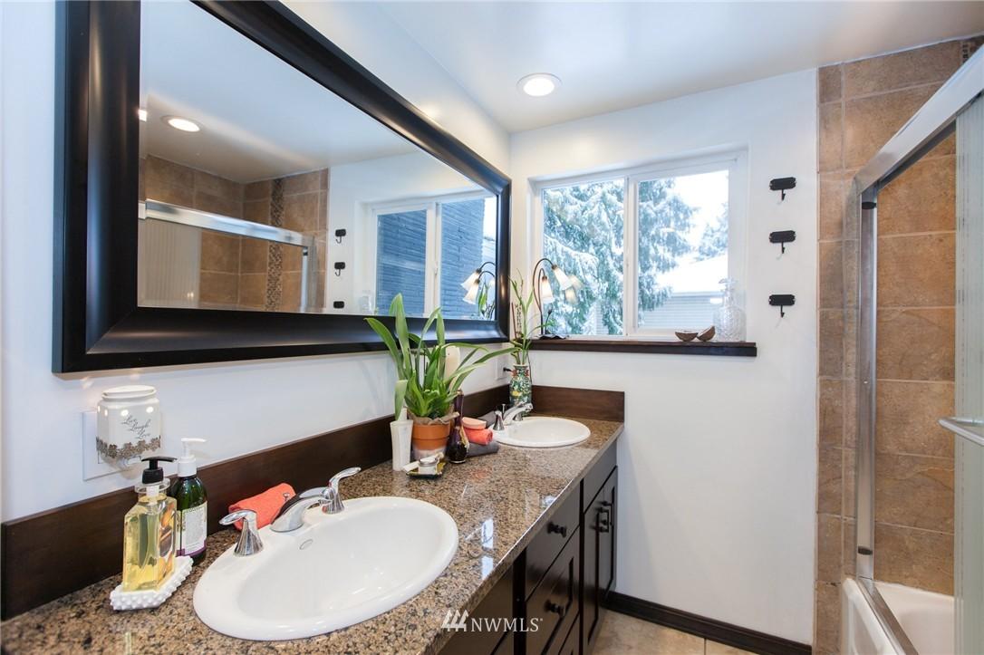 Sold Property   1207 NE 168th Street Shoreline, WA 98155 12