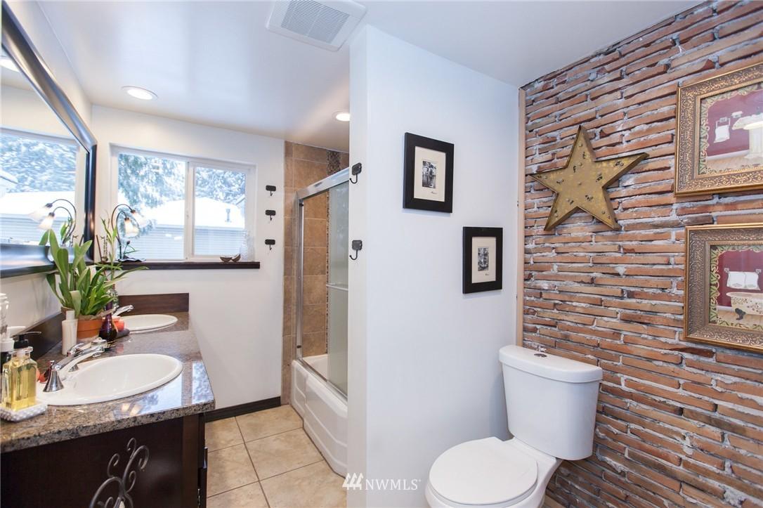 Sold Property   1207 NE 168th Street Shoreline, WA 98155 13