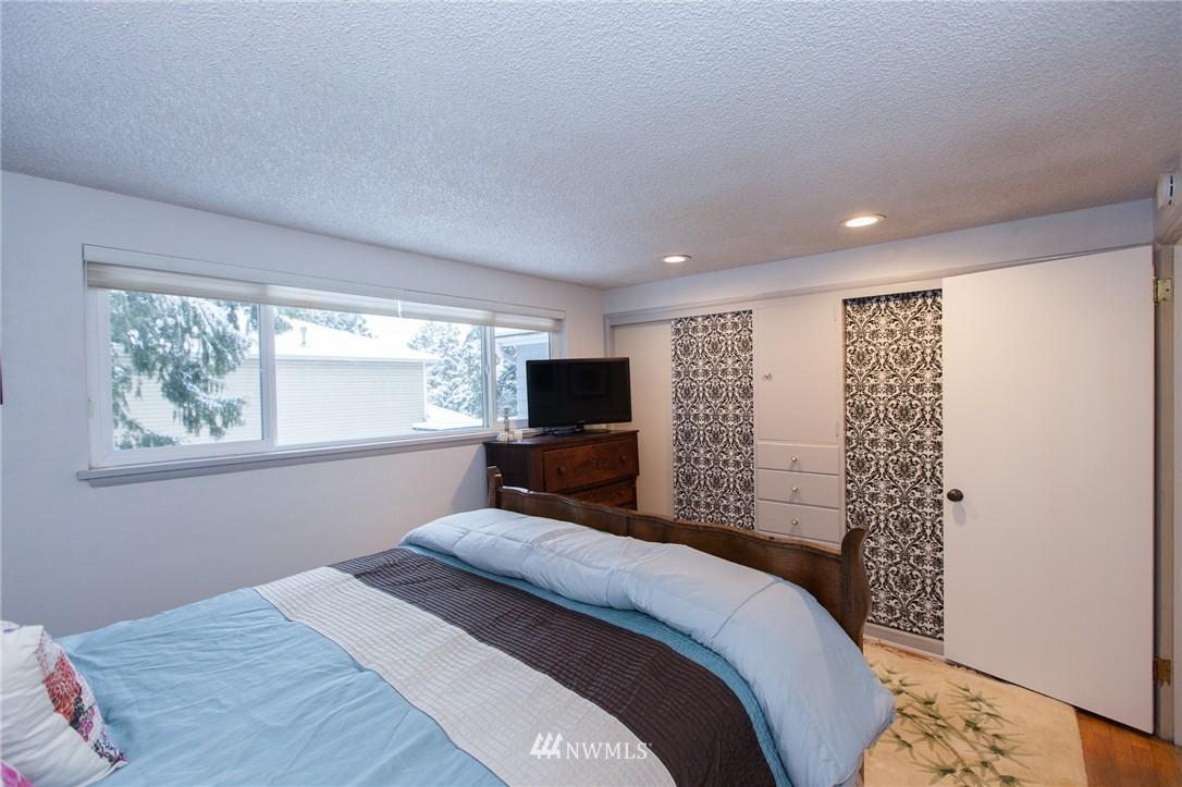 Sold Property   1207 NE 168th Street Shoreline, WA 98155 15