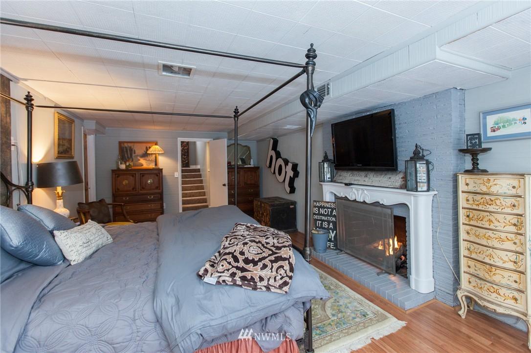 Sold Property   1207 NE 168th Street Shoreline, WA 98155 18