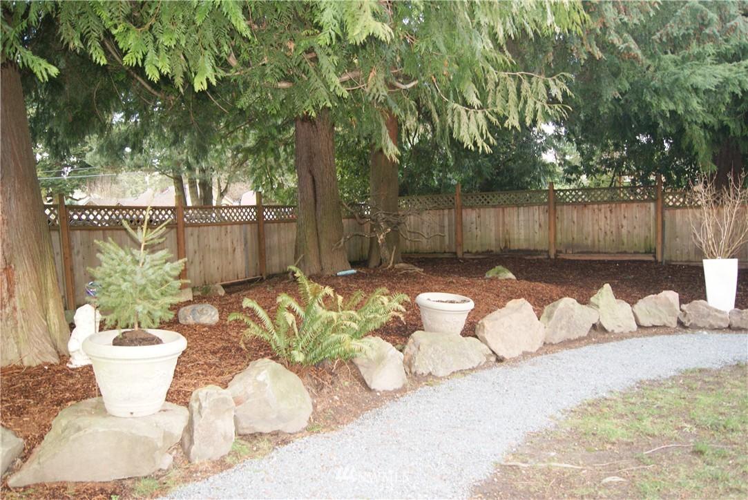 Sold Property   1207 NE 168th Street Shoreline, WA 98155 23