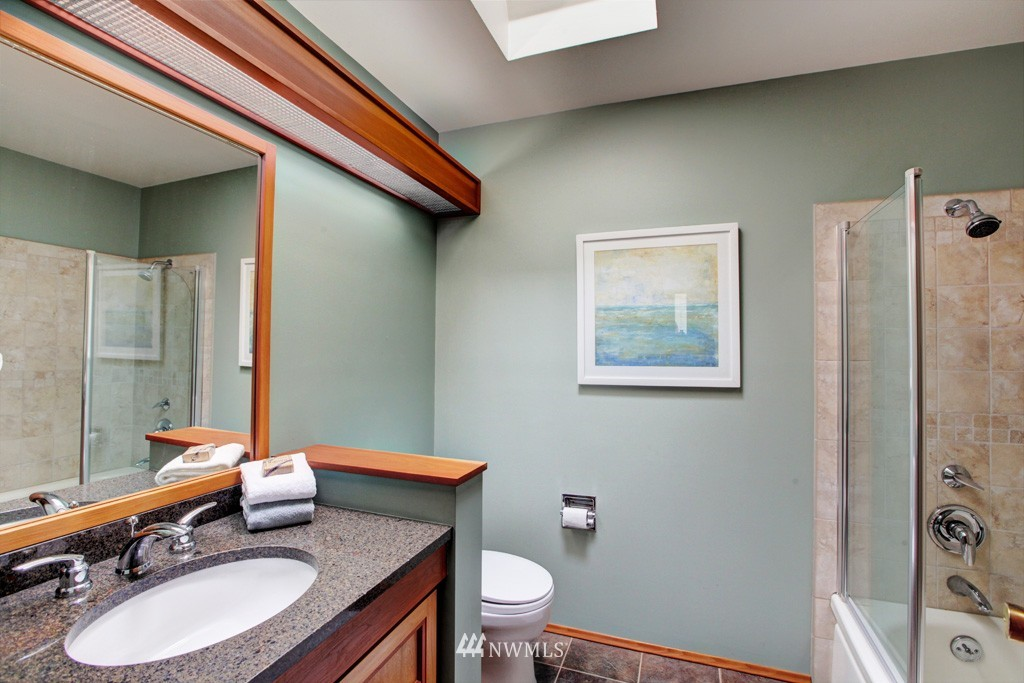 Sold Property   2857 23rd Avenue W Seattle, WA 98199 12