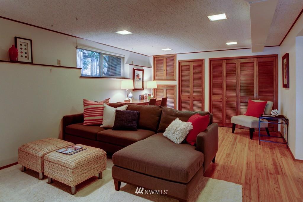 Sold Property   2857 23rd Avenue W Seattle, WA 98199 13