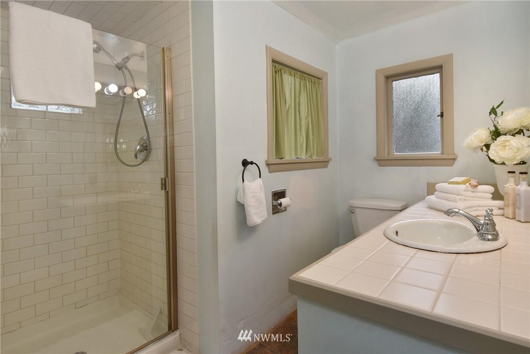 Sold Property | 6514 2nd Avenue NE Seattle, WA 98115 8
