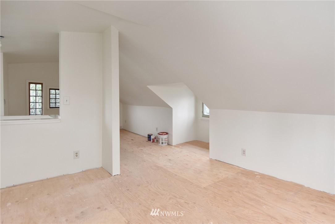 Sold Property | 6514 2nd Avenue NE Seattle, WA 98115 9