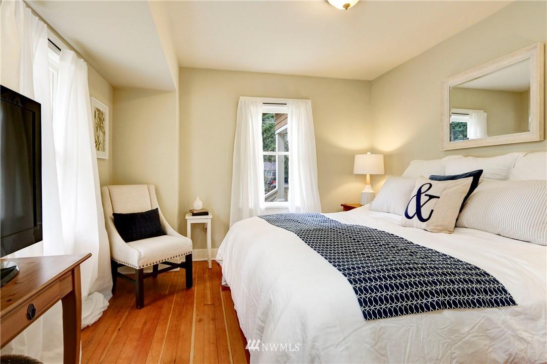 Sold Property   2203 NE 170th Street Shoreline, WA 98155 6