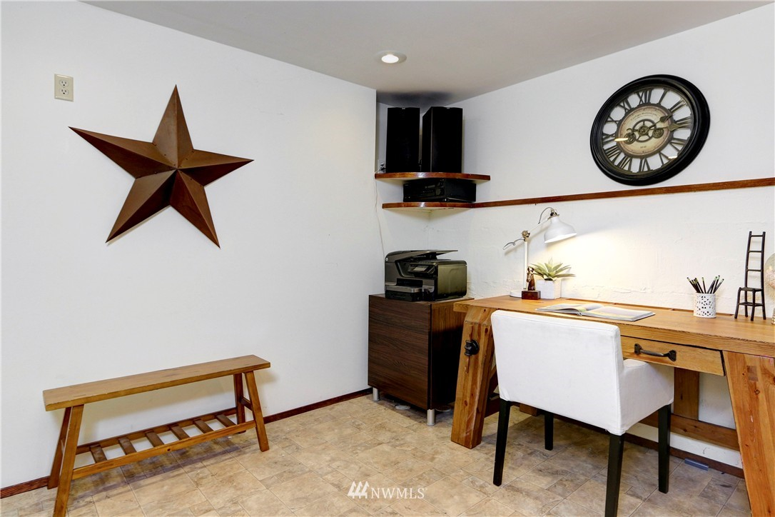 Sold Property   2203 NE 170th Street Shoreline, WA 98155 11