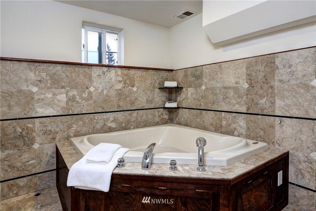 Sold Property   2203 NE 170th Street Shoreline, WA 98155 13