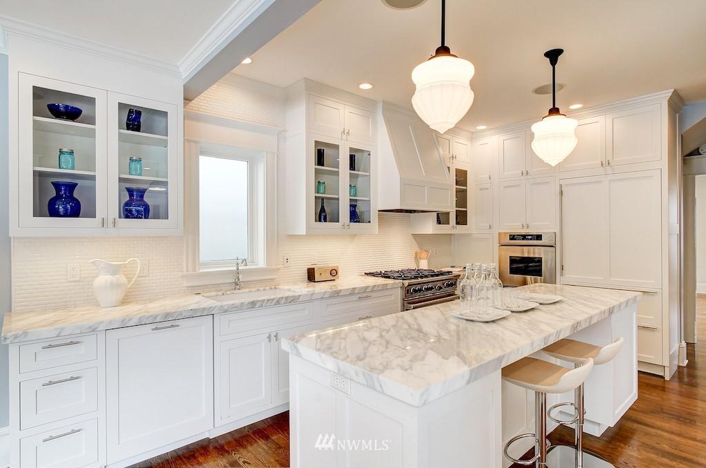 Sold Property   2037 32nd Avenue S Seattle, WA 98144 4