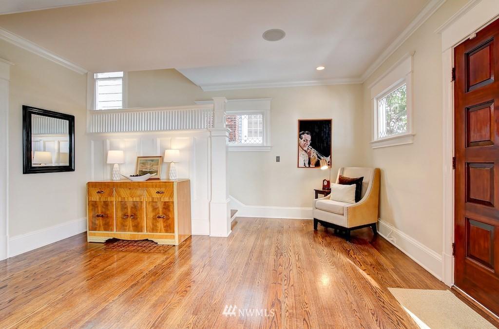 Sold Property   2037 32nd Avenue S Seattle, WA 98144 9
