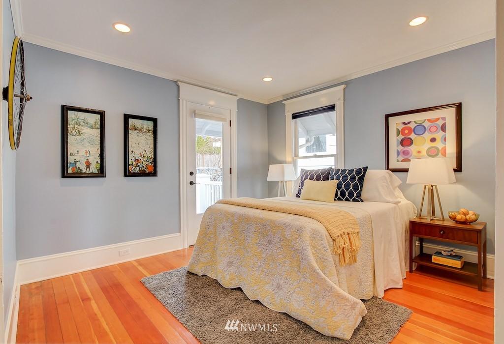 Sold Property   2037 32nd Avenue S Seattle, WA 98144 17