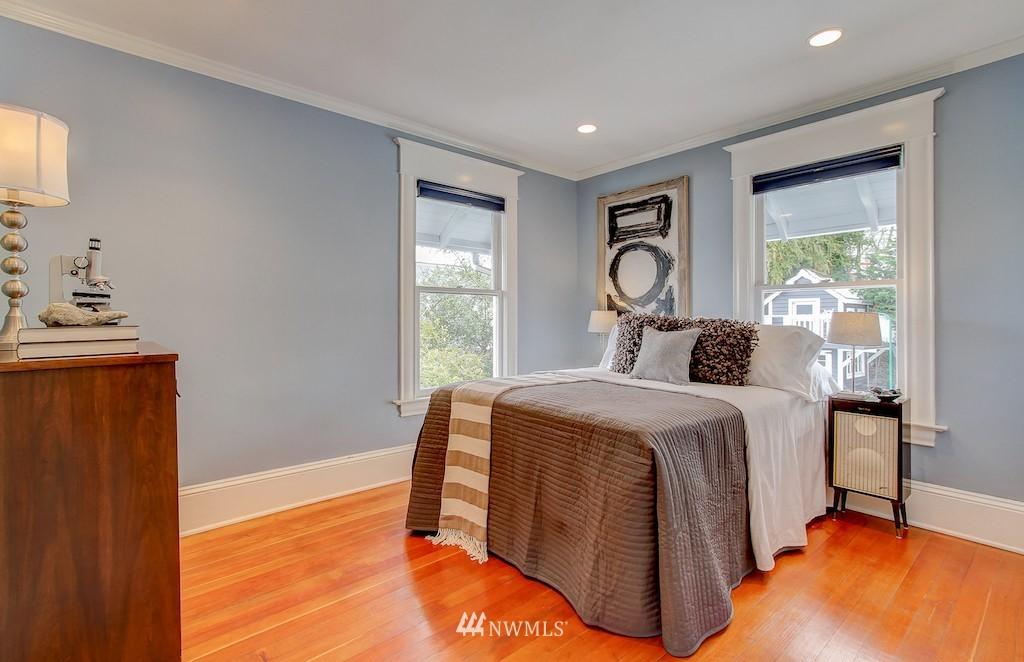 Sold Property   2037 32nd Avenue S Seattle, WA 98144 18