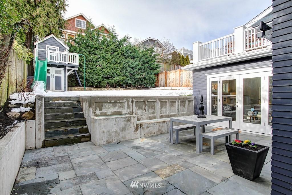 Sold Property   2037 32nd Avenue S Seattle, WA 98144 23