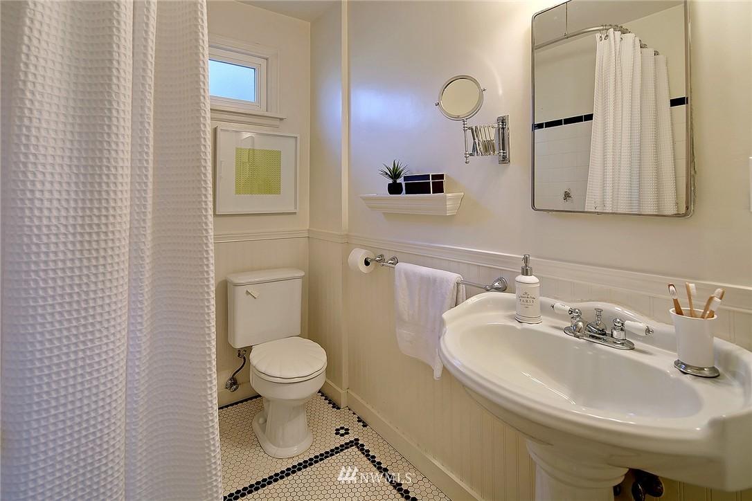 Sold Property | 851 NW 61st Street Seattle, WA 98107 7