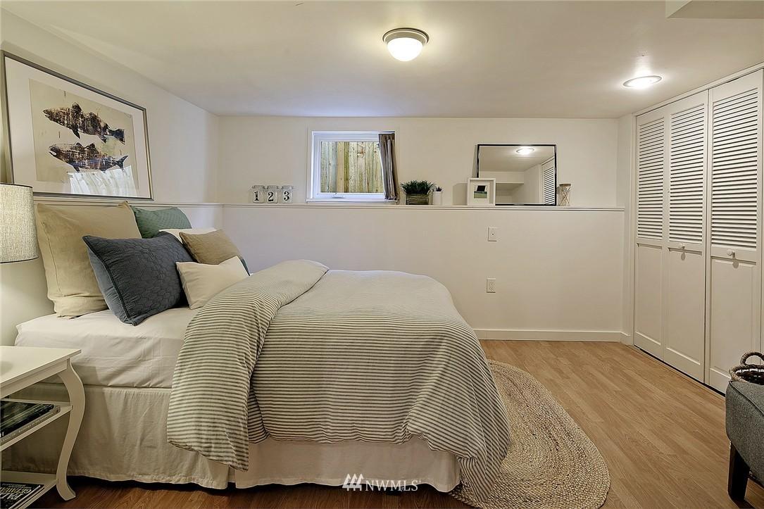 Sold Property | 851 NW 61st Street Seattle, WA 98107 9