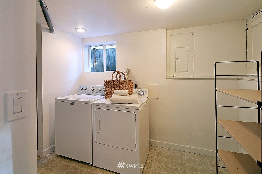Sold Property | 851 NW 61st Street Seattle, WA 98107 12