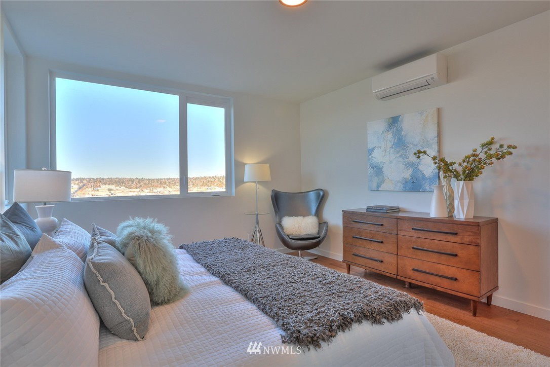 Sold Property   1208 W Emerson Street Seattle, WA 98119 15