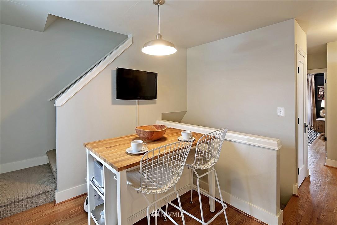 Sold Property   1706 NW 61st Street Seattle, WA 98107 10