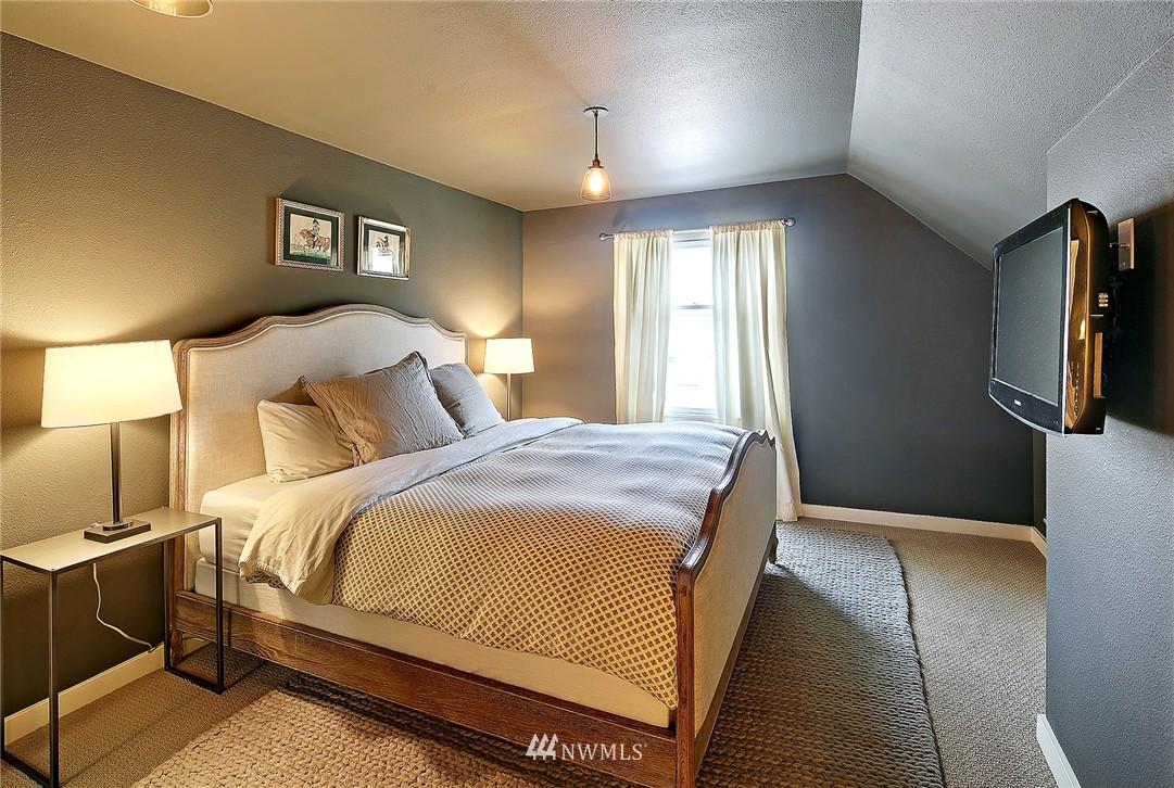 Sold Property   1706 NW 61st Street Seattle, WA 98107 11