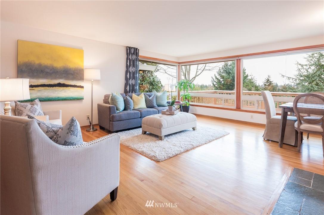 Sold Property | 8029 30th Avenue NE Seattle, WA 98115 6