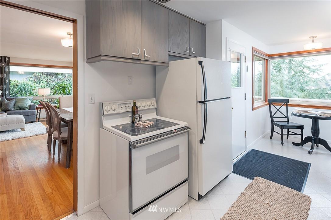 Sold Property | 8029 30th Avenue NE Seattle, WA 98115 9