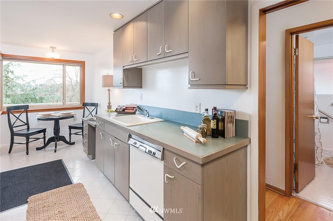 Sold Property | 8029 30th Avenue NE Seattle, WA 98115 7