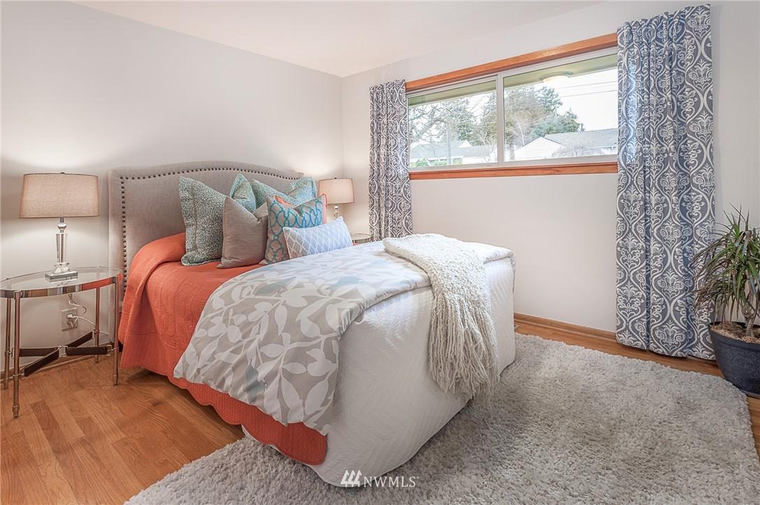 Sold Property | 8029 30th Avenue NE Seattle, WA 98115 12